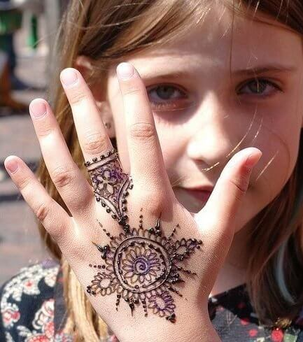 Design of Mehndi for Kids
