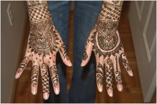 Floral and Weave Mehndi Design