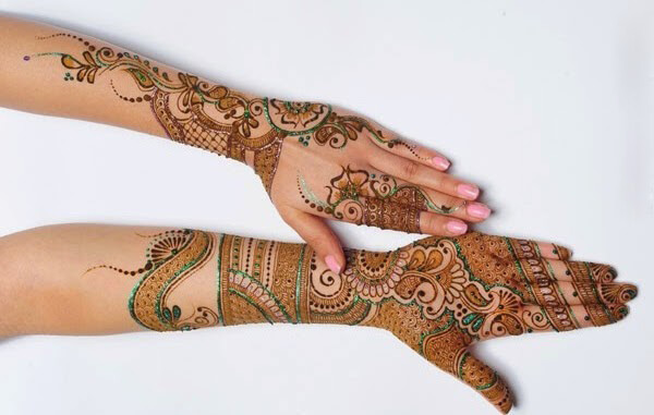 Stylish Glittered Mehndi Design for Hands