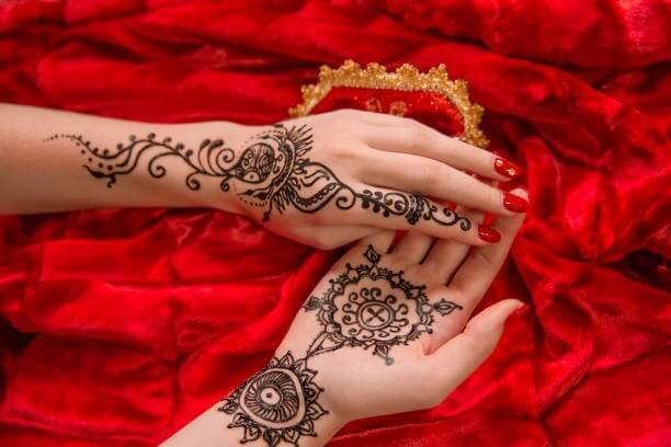 20 Latest Mehndi Designs Images To Try
