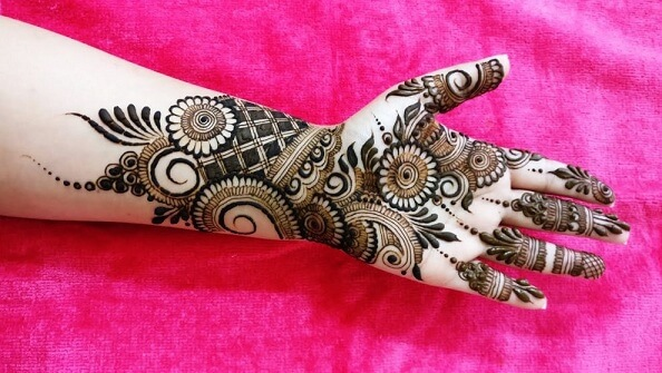 Arabic Mehndi With Twist