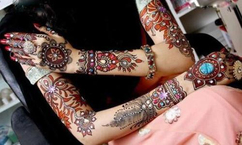 Black And Red Bridal Mehandi Designs