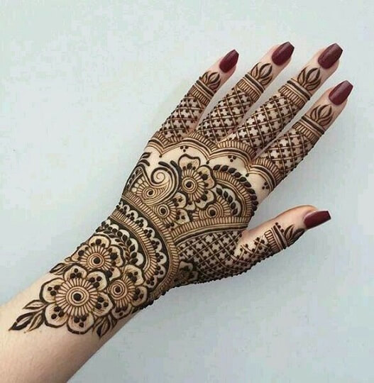 Checked Back Hand Mehndi Design