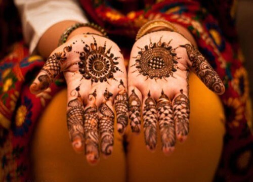 Circular Flower Mehandi Design For Brides