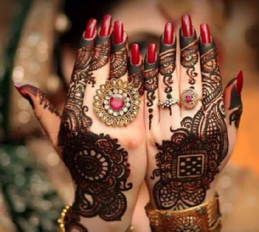 Dark Mehndi Designs For Two Hands