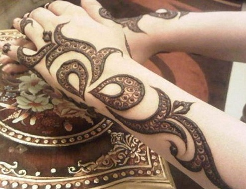 Latest Shaded Mehndi Design