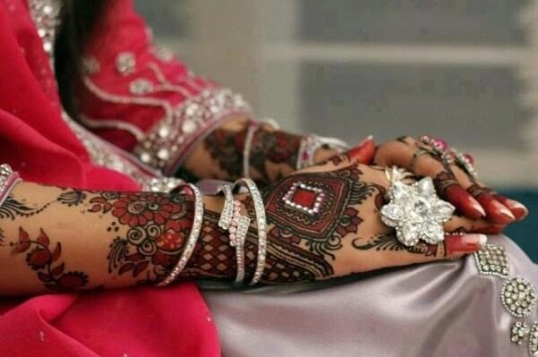 Maroon Bridal MehandiFor Wedding Outfits