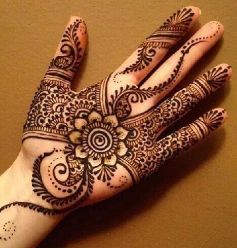 Stylish Single Flower Palm Mehndi Design